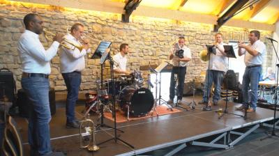 Les Brasseurs aus Luxemburg spielten am Kirmesmontag in der Zehntscheune in Wallendorf